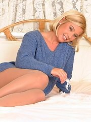 Hot Tracey Coleman gets naked and dirty