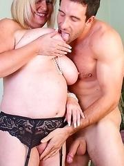 British mature lady fucking hard and long