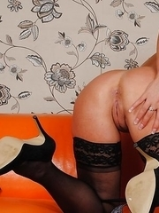 hot cougar craving your cock